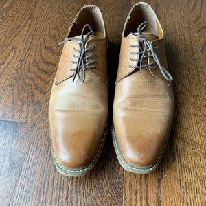 Men's tan shoes size US 9